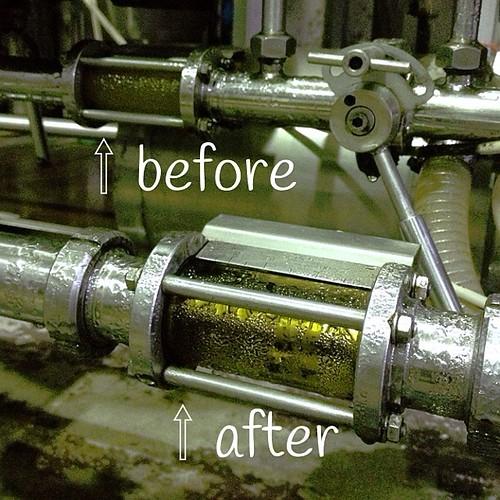 サンクトガーレンのビールは一部を除き濾過仕上。濾過への考えは様々で「何も除かない無濾過こそ最高」という人や、岩本のように「発酵を終えた酵母は不純物」という考えも。今日工場はゴールデンエールを濾過しました。出来たては明日より出荷開始!