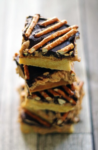 Peanut Butter & Pretzel Cake Bars