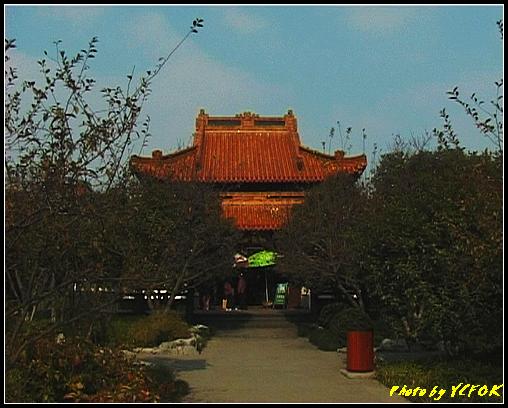 杭州 西湖 (其他景點) - 403 (西湖湖心亭上的亭台樓閣 這個是湖心亭上的主建築 靜觀萬山)