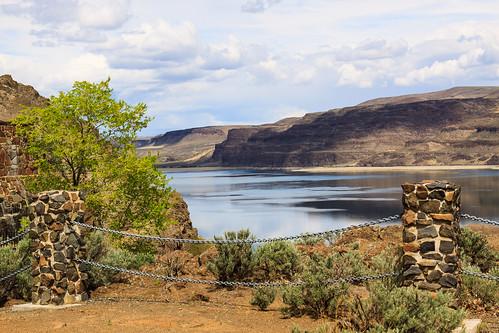 water river washington unitedstates desert moutains vantage scenicviews ginkopetrifiedforeststatepark