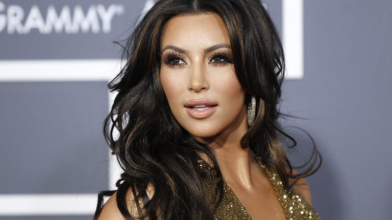 Kim kardashian  cortou o cabelo bem mais curto!