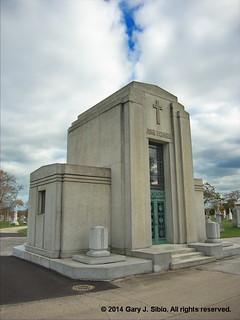 John F. Cuneo Mausoleum (2014-11-08 14-00-16a)