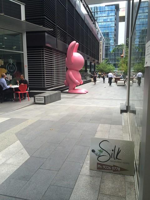 粉红兔子和它的秘密情人 - 艾小柯 - 流浪者的乡愁