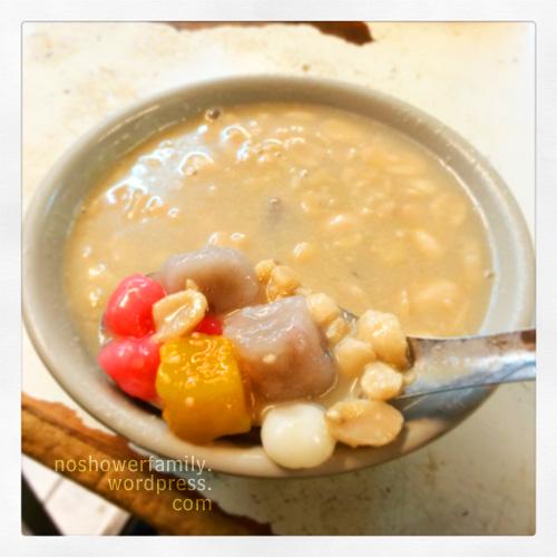 pinuts sweet soup with taro