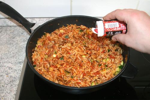 39 - Mit Pfeffer, Salz & Gyrosgewürz abschmecken / Taste with pepper, salt & gyros seasoning