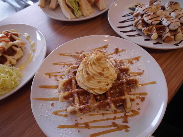 焦糖卡士達鬆餅 (NTD$70)@內湖港墘 Waffle Please比利時列日鬆餅