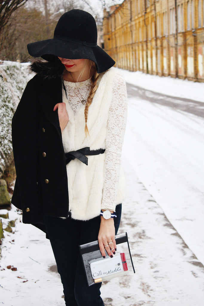 floppy-hat-outfit-idea