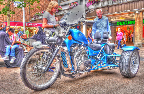 Suzuki Trike_Broadgate_Coventry_Jul13
