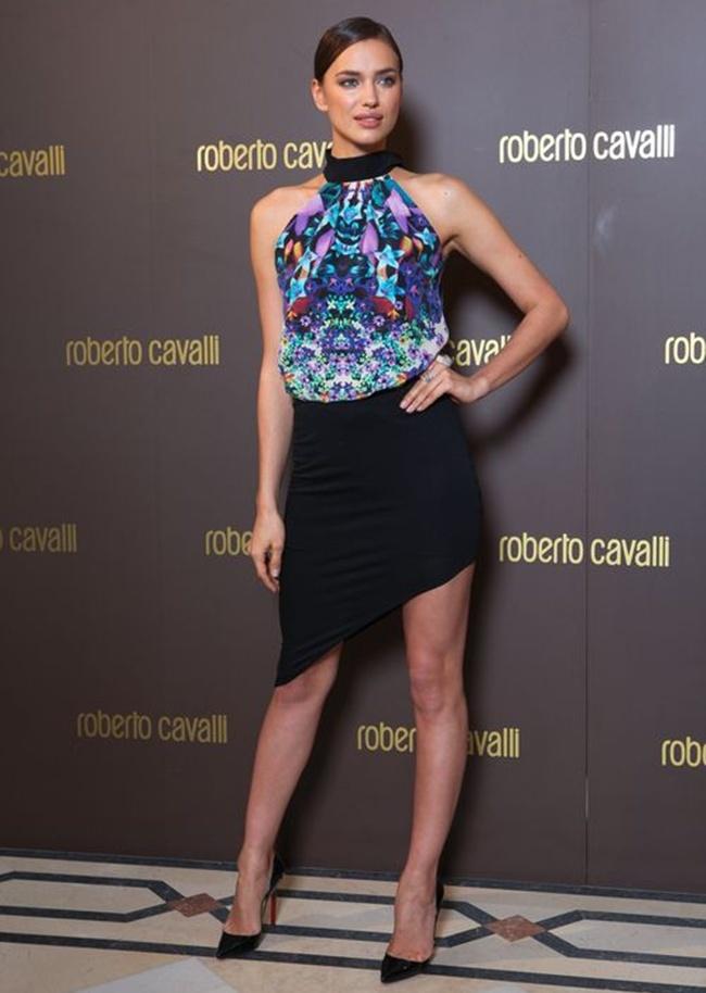 9 Irina_Shayk_in_Roberto_Cavalli_opening_Roberto_Cavalli_boutique_2013_Bucarest