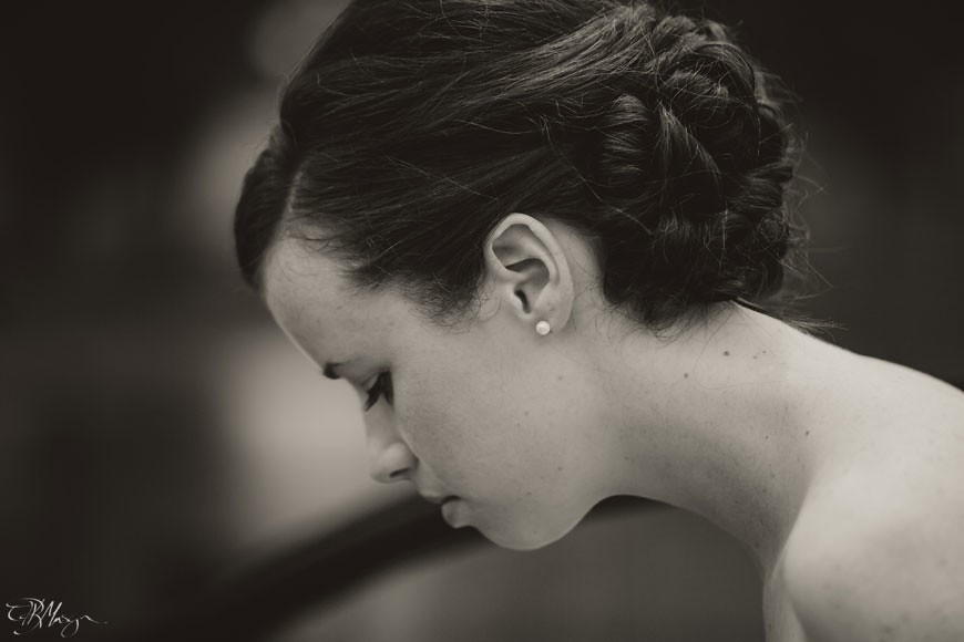 Bride-B&W-To-the-First-Look