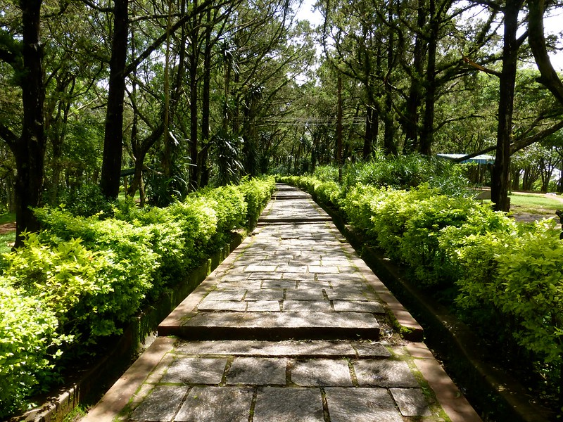 Cycling to Nandi Hills - inside the fort - the gardens