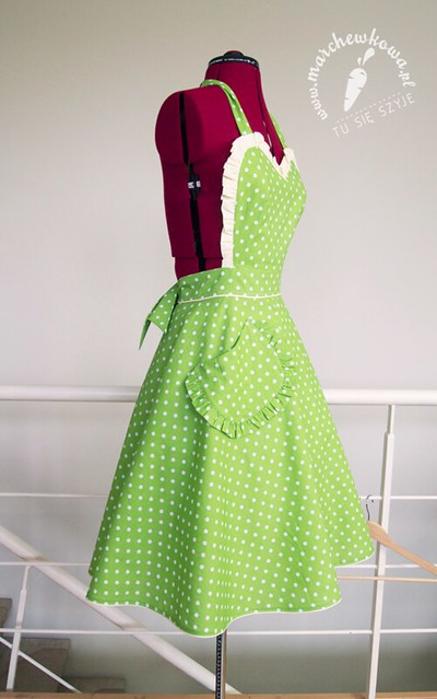 Green 50s style apron, retro fartuszek, vintage, szycie, krawiectwo, groszki