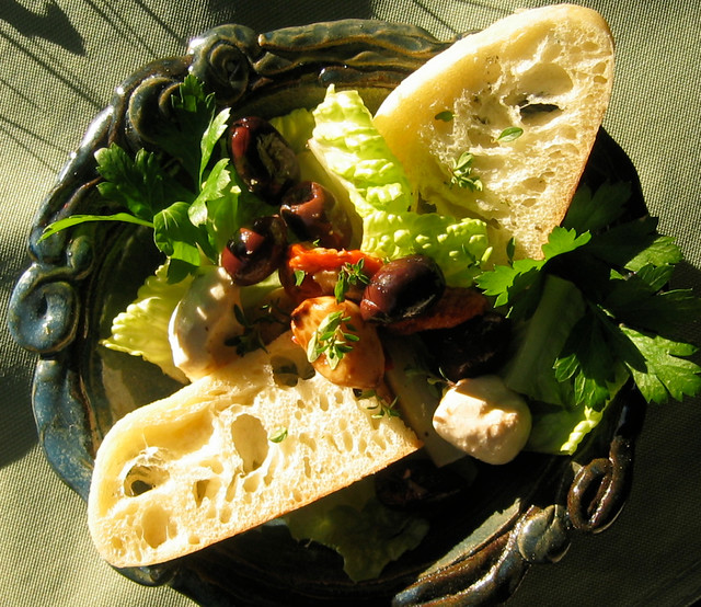 Salad with bread and herbs