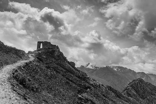 bw mountain peru southamerica monochrome inca cuzco blackwhite nikon ruins 4 hike adventure nikkor sacredvalley ollantaytambo sungate 1635 d600 intipunku 2013