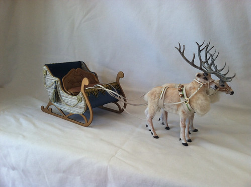 1:12 Reindeer and Sleigh by woolytales.com