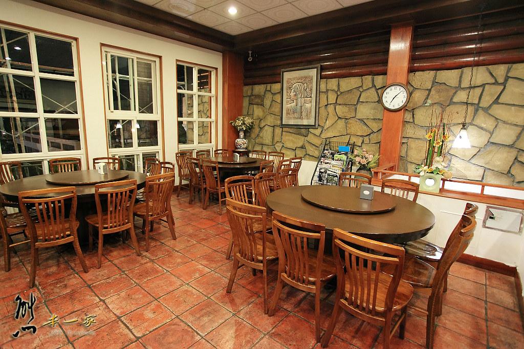 [南投清境美食餐廳]清境儷景豪斯登堡 餐點~東北酸菜鍋酸香不嗆好吃