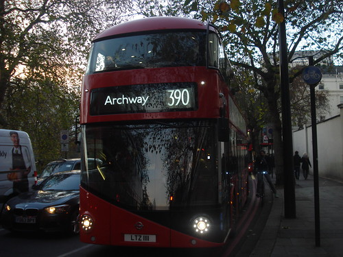 Metroline LT111 (LTZ1111) on Route 390, Marble Arch :D