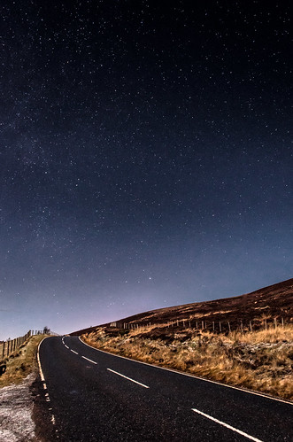 sky mountains night stars star scotland highlands nikon nightsky dslr tomintoul cairngorm nethybridge grantownonspey d7000 nikond7000 lightroom4