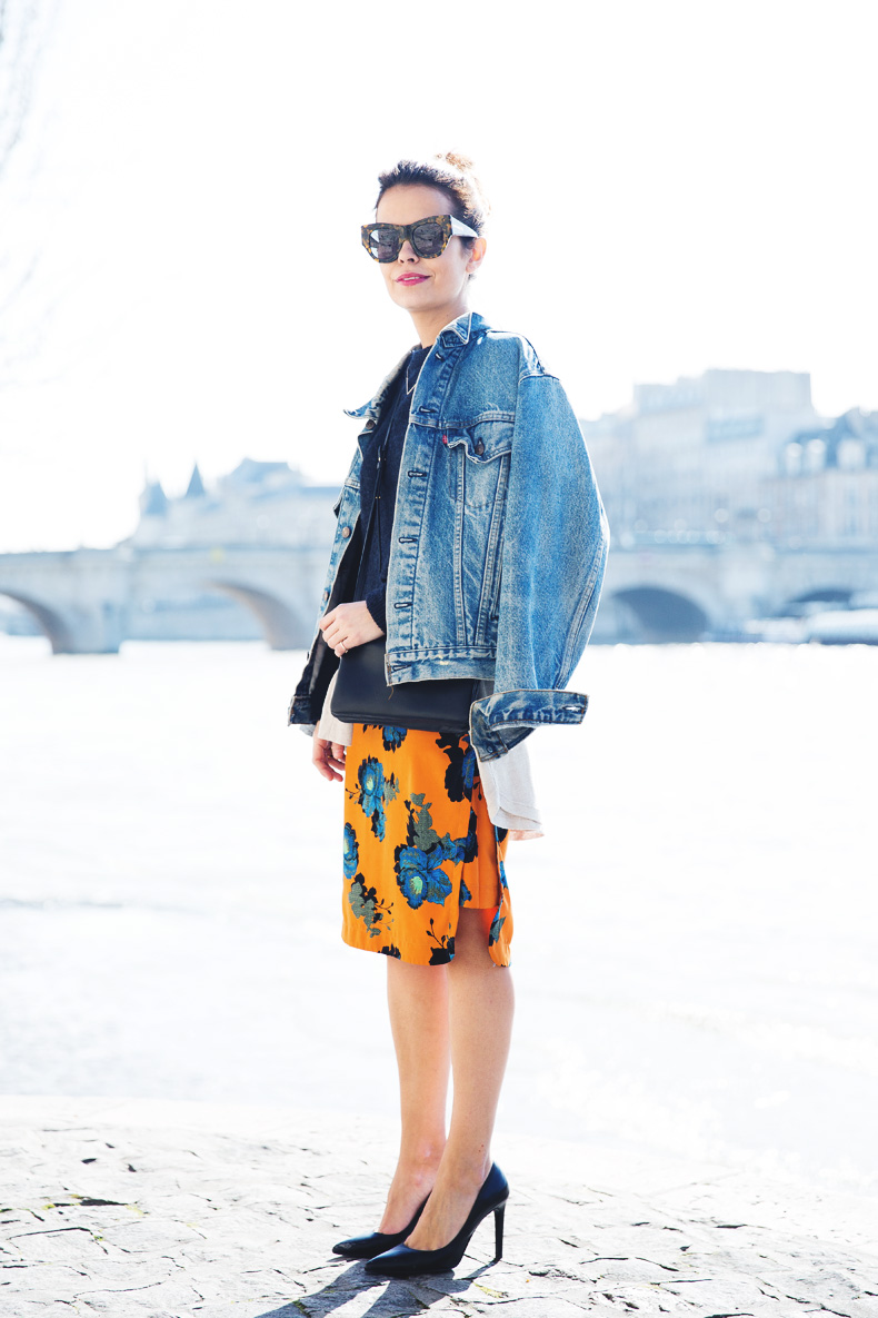 floral_skirt-topshop-orange-denim_jacket-street_style-pfw-outfit-karen_walker-celine-trio_bag-