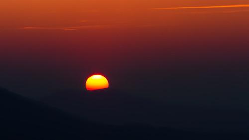 sunset nature night canon landscape eos schweiz switzerland abend is sonnenuntergang suisse svizzra swiss natur basel ii 7d usm landschaft sonne 70200 baselland gempen watn gempenturm basellandschaft canoneos7d baselcountry watndatn
