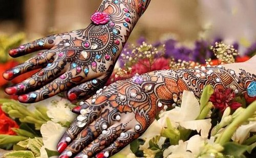 Latest Glitter Bridal Mehndi Designs (35)