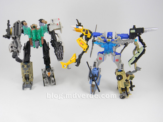 Transformers Undertow con Waterlog Power Core Combiners - modo combinado vs Searchlight