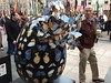 Migrating eggs #thebigegghuntny #nyc #rockefellercenter