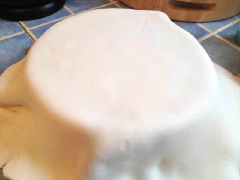Boozy Easter Cake : Drape Icing over the Cake