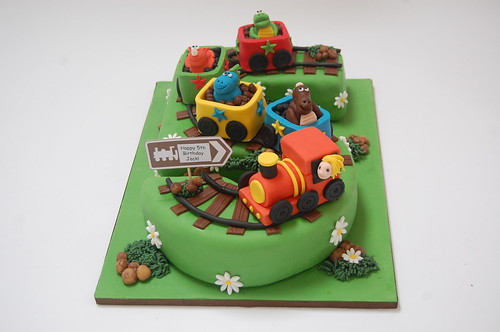 Amazing Dinosaur Train Number 5 Cake Beautiful Birthday Cakes Personalised Birthday Cards Veneteletsinfo