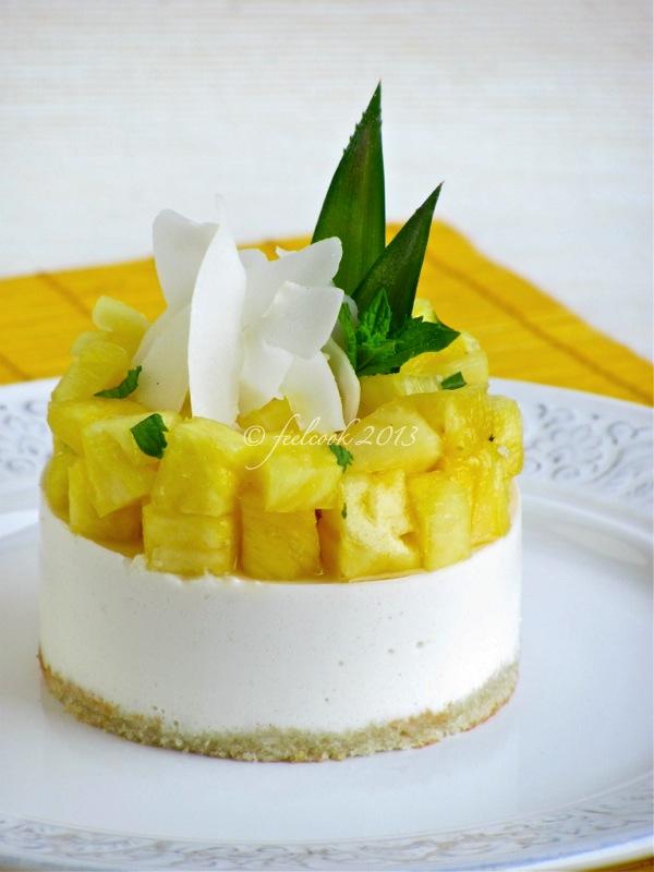 Mousse di yogurt con ananas e cocco
