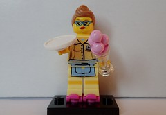LegoS11_Waitress