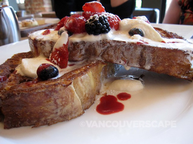 Earls Brunch Sourdough French Toast