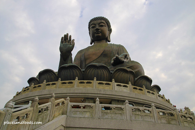 tian tan big buddha on top of ngong ping