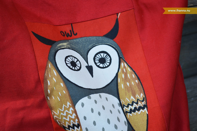 Owl Tote close up