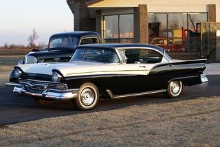 fords-of-the-fifties-1957-ford-fairlane-500-town-victoria_96f30
