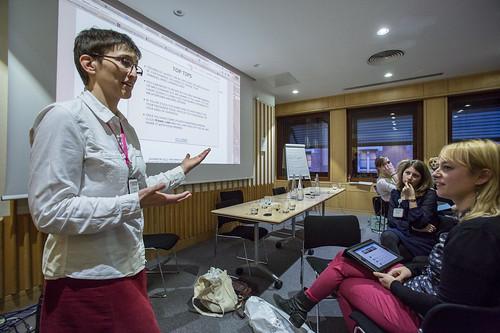 Anna Sharman presenting #solo13upgoer
