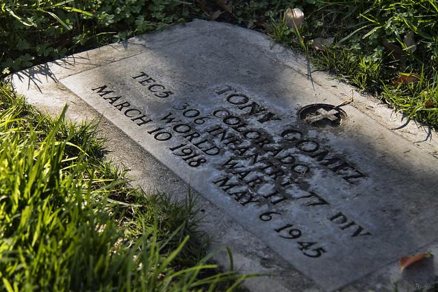 Tony Gomez gravestone