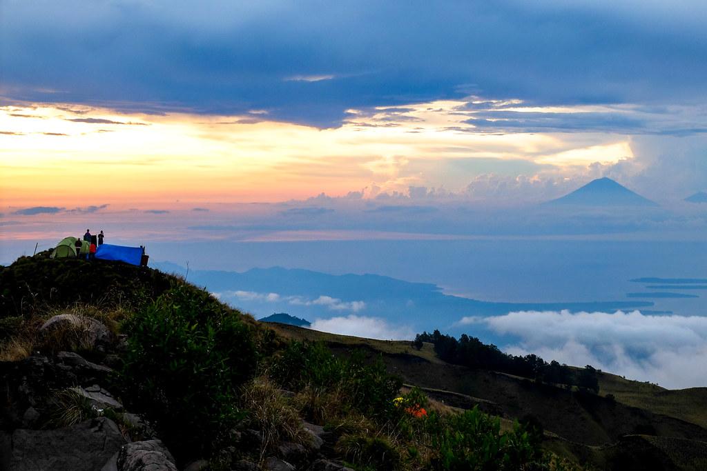 Zicht op de Gili's + Bali
