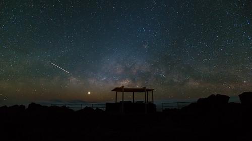 longexposure clouds stars hawaii venus maui nightsky constellation oneshot milkyway scorpius haleakalanationalpark kalahaku haleakalacrater isssarya