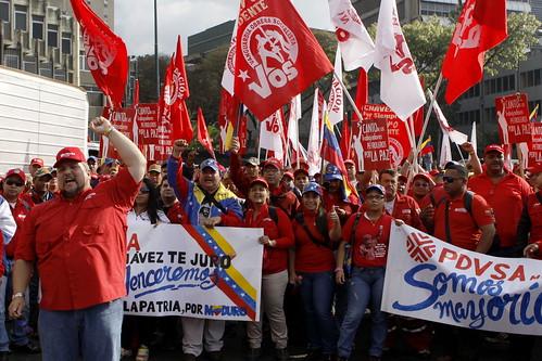 Los trabajadores de PDVSA se concentranen los alrededores de plaza Ve