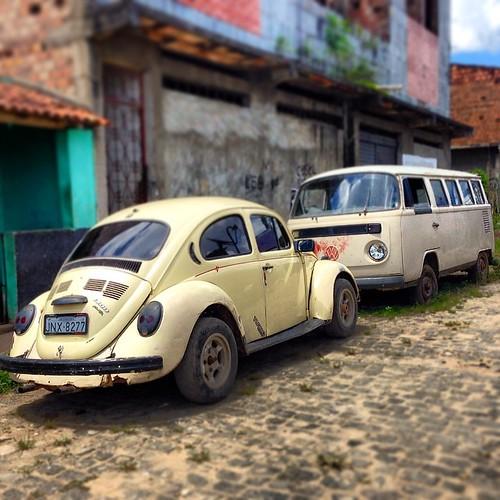 Namoro #love #combi #fusca#tosba #beetle #besouro #kupla #kever #maggiolino #ico #volkwagen #vocho #herbie #coche #coccinelle #fusquinha #fuscão #kafer #käfer #carro #antigo #vintage #itabuna #bahia #brasil #hobby #euviumfusca #pichirilo #escarabajo #garb