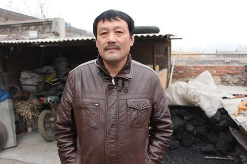 潘志中的正直與樸實的為人,讓他在村裡有一定的聲望與公信力而成為潘官營反對垃圾焚燒場維權運動的核心人物。(林吉洋攝影)