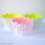 Neon lined broderie cupcake cases