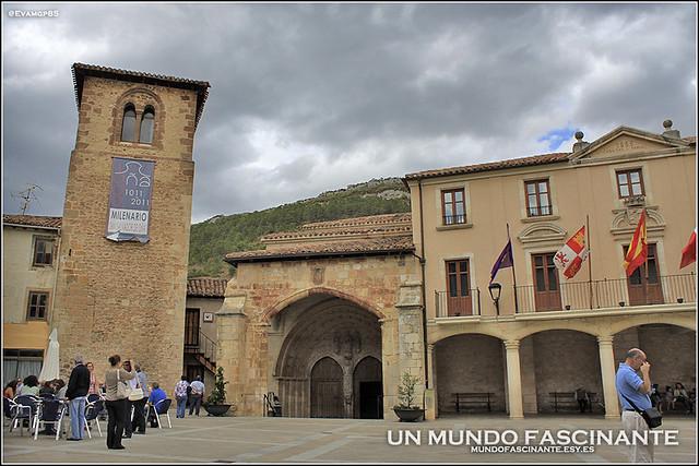 Plaza mayor de Oña.