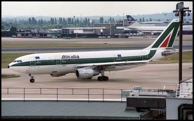 I-BUST - London Heathrow (LHR) 22.07.1993