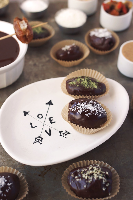 Chocolate Covered Stuffed Dates // @tastyyummies // www.tasty-yummies.com