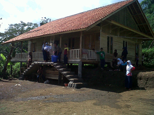 SMP Al Bayyan