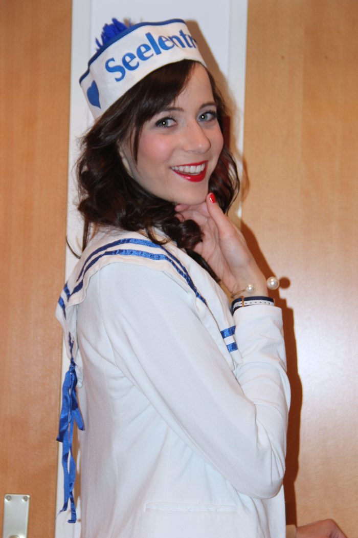 Fasching Carnival Marine Girl 03