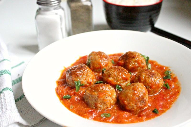 Vietnamese meat balls in tomato sauce
