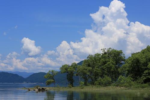 blue sky cloud white lake nature water colors beautiful japan landscape day noone bluesky akita tazawako 田沢湖 pwpartlycloudy